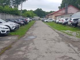Парковка недалеко от аэропорта Стригино